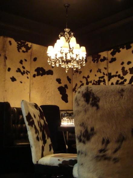 Gaucho-Piccadilly-restaurant-table-decoration-illumination