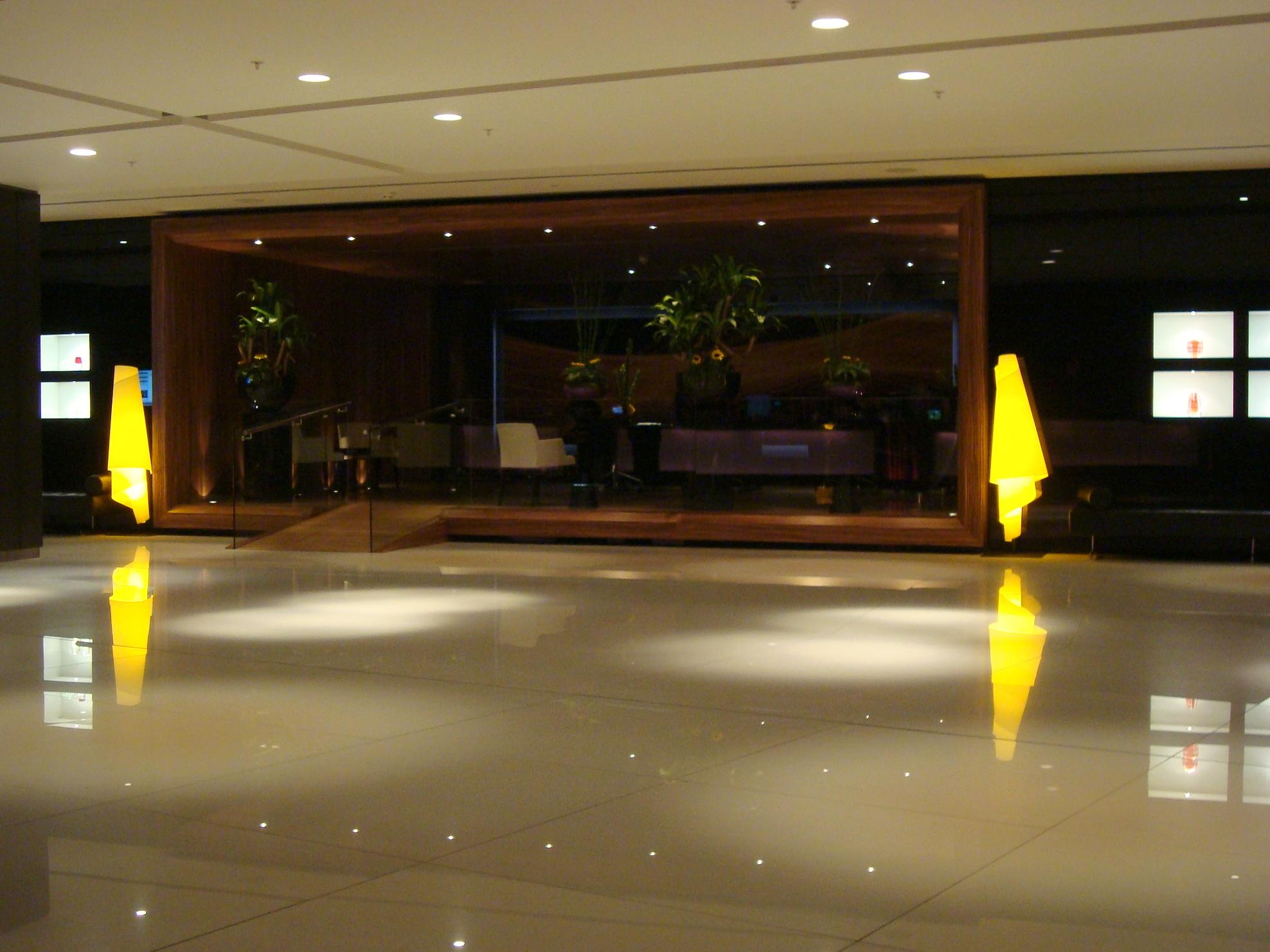 park-plaza-hotel-westminster-bridge-london-lobby-reception
