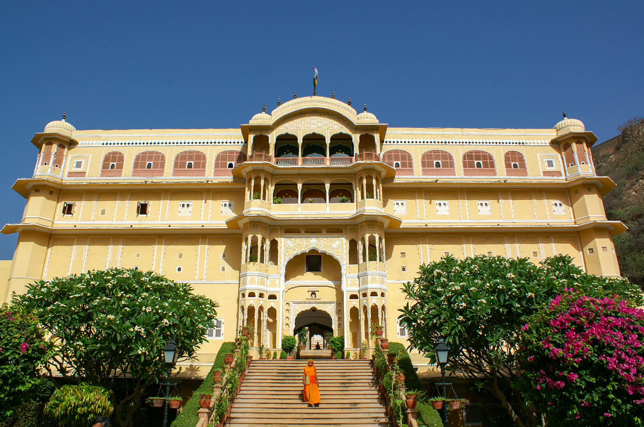 Samode palace heritage hotel in colorful rajasthan india for Luxury hotels near