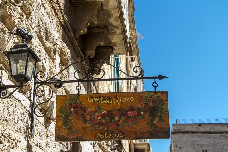 Osteria sign