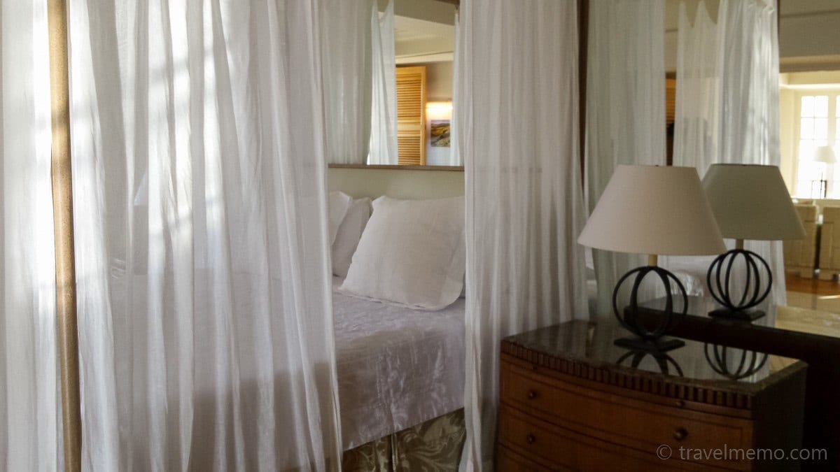 Aphrodite suite's canopy bed