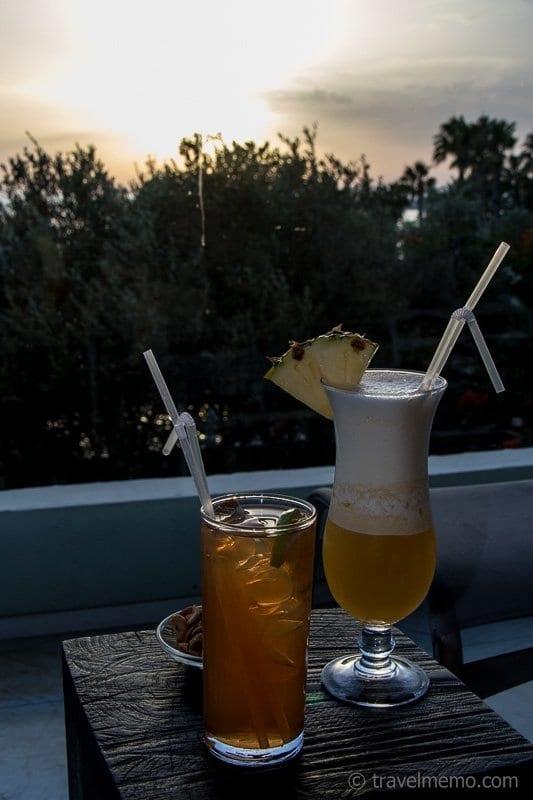 Brandy sour und Ananas-Cocos-Drink
