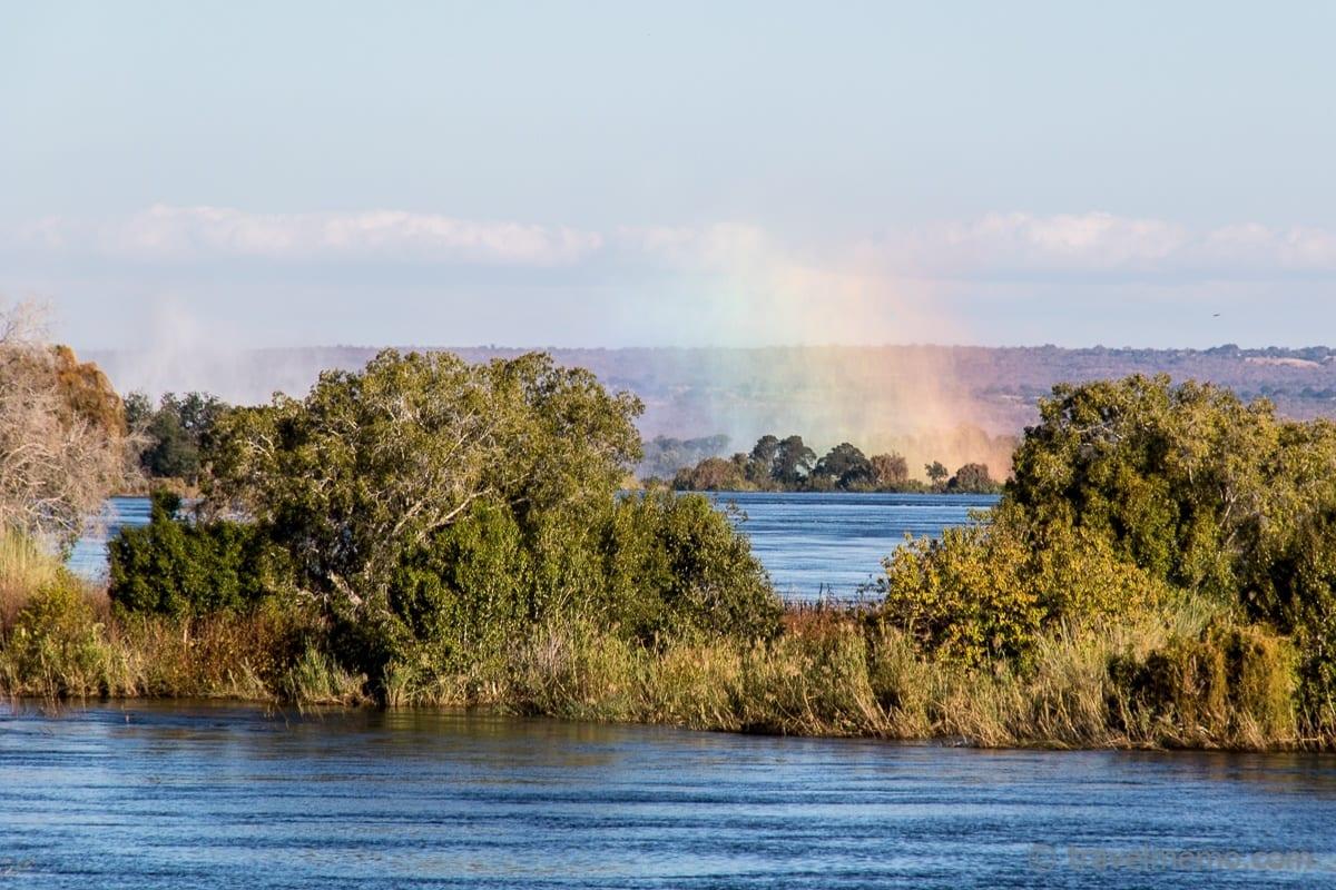 Victoria Falls Gischt in Regenbogenfarben