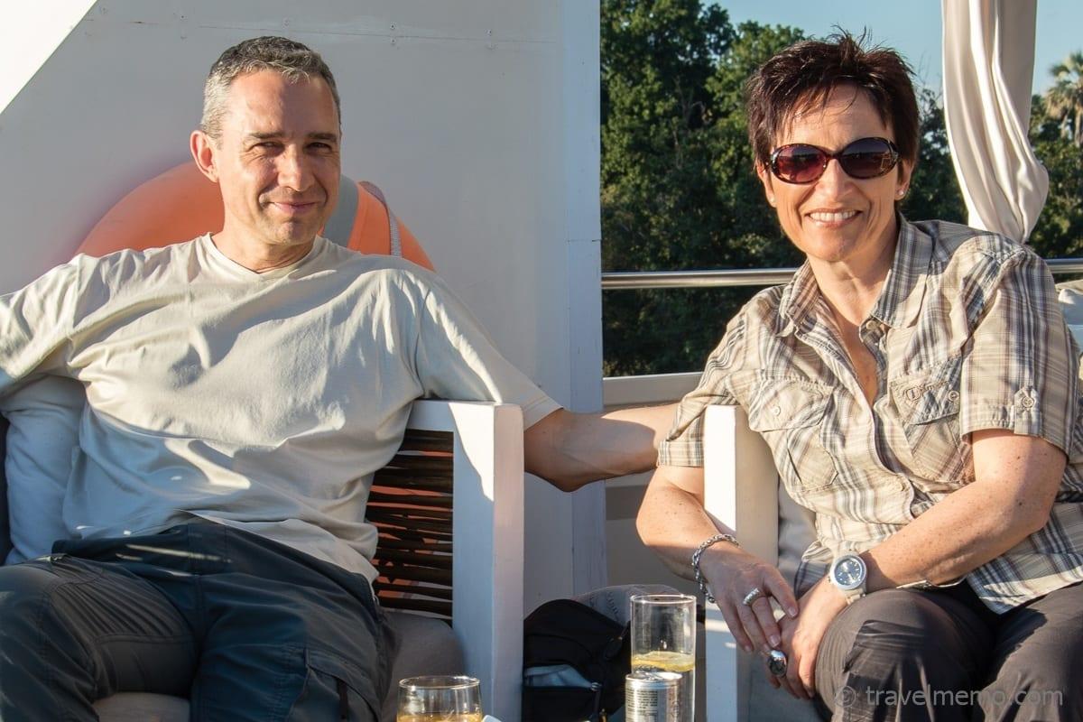 Walter & Katja geniessen die Sonnenuntergangsfahrt