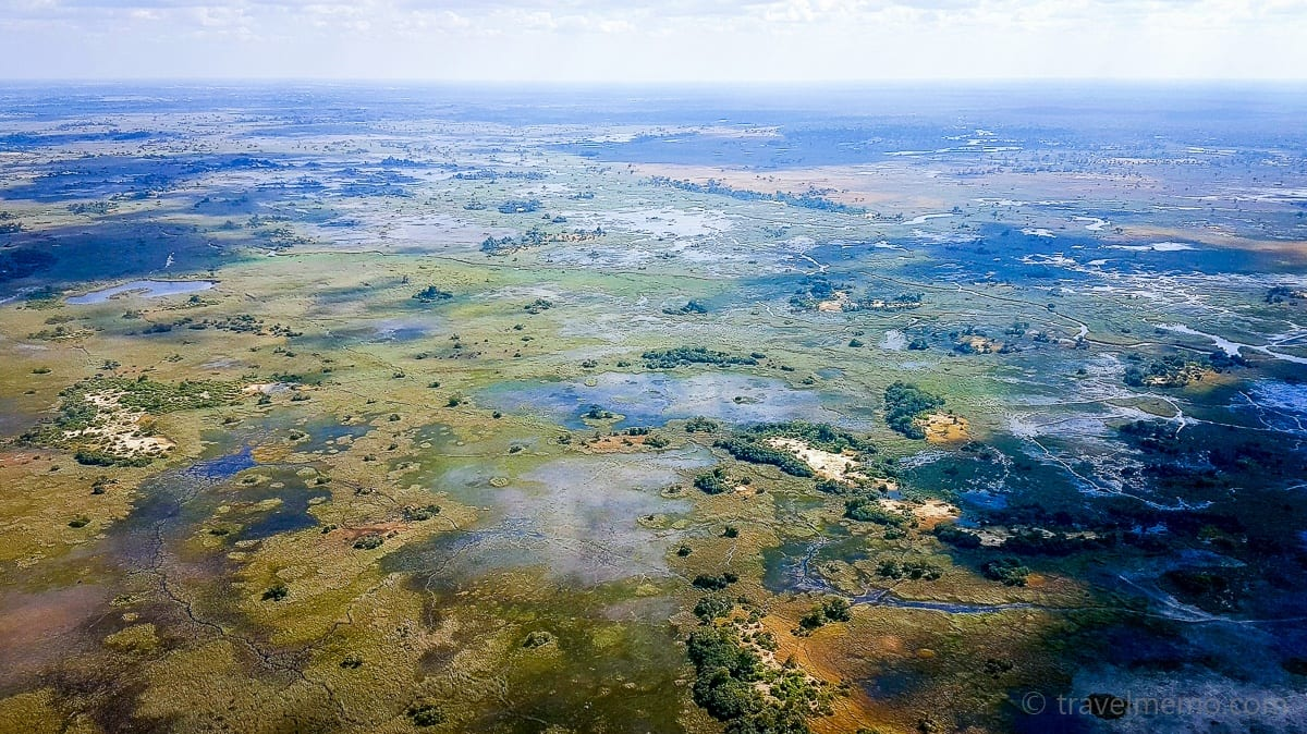 Luftiger Ausblick auf das Okavango Delta