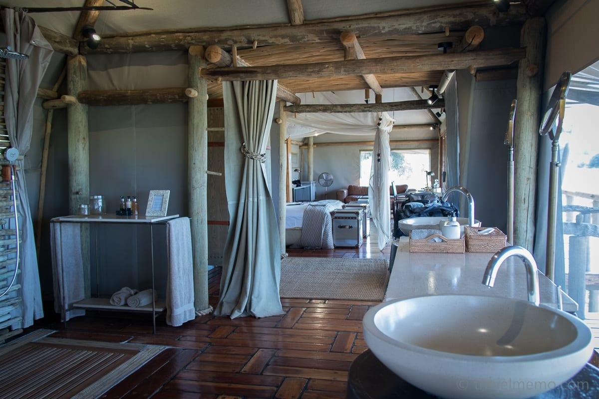 und grosses Badezimmer