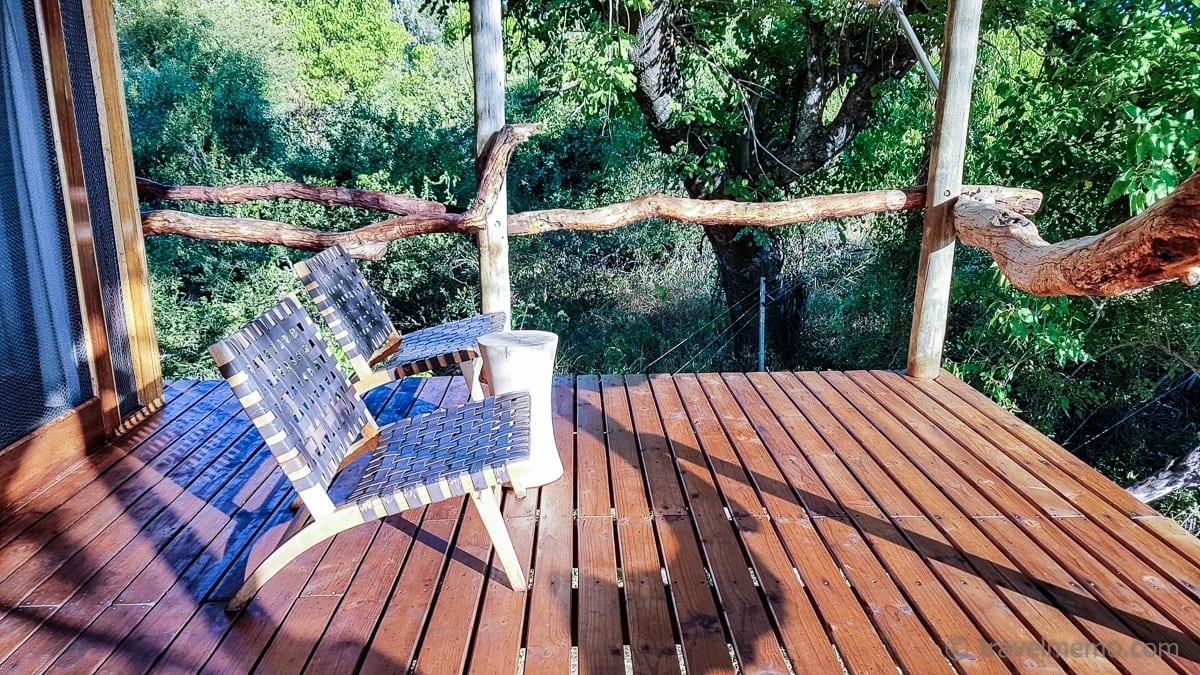 Veranda im Tubu Tree Zelt